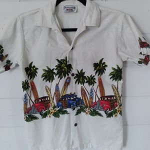 Authentic Hawaiian graphic boys button up shirt